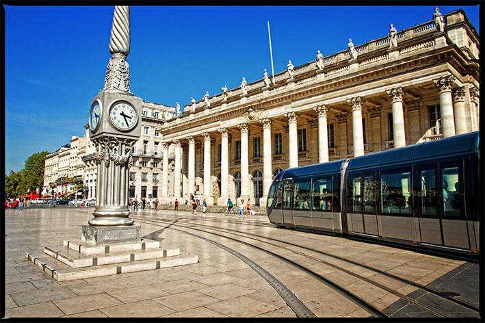 Visiter les places et monuments incontournables de Bordeaux