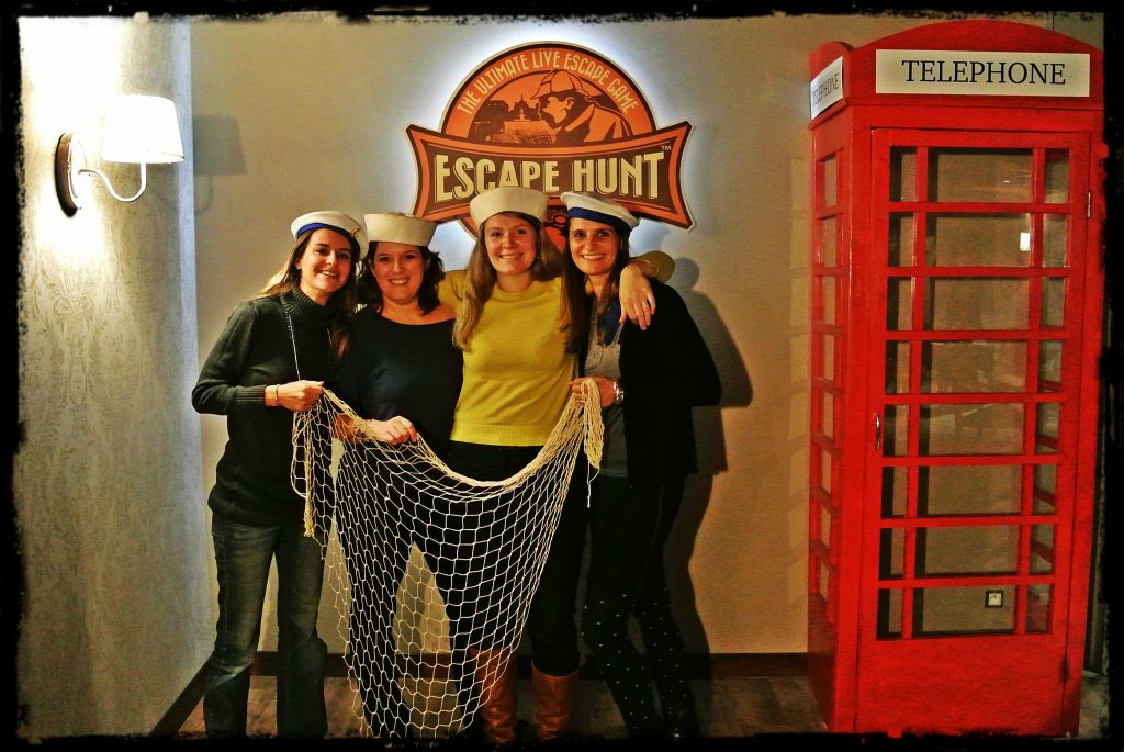 ESCAPE HUNT 2